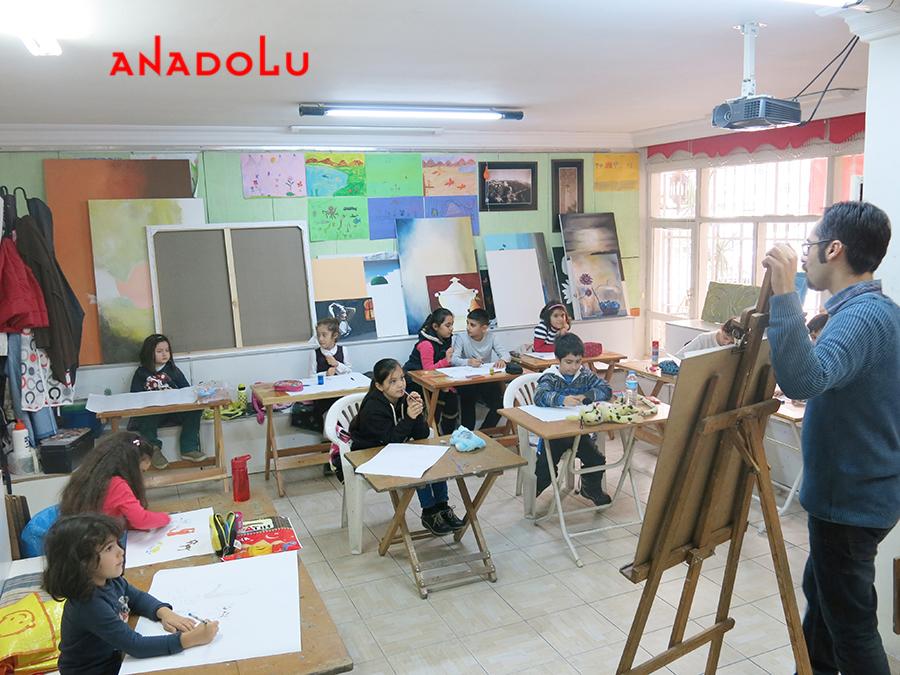 Çocuklarla Sanat Eğitimleri Devam Ediyor Çukurovada