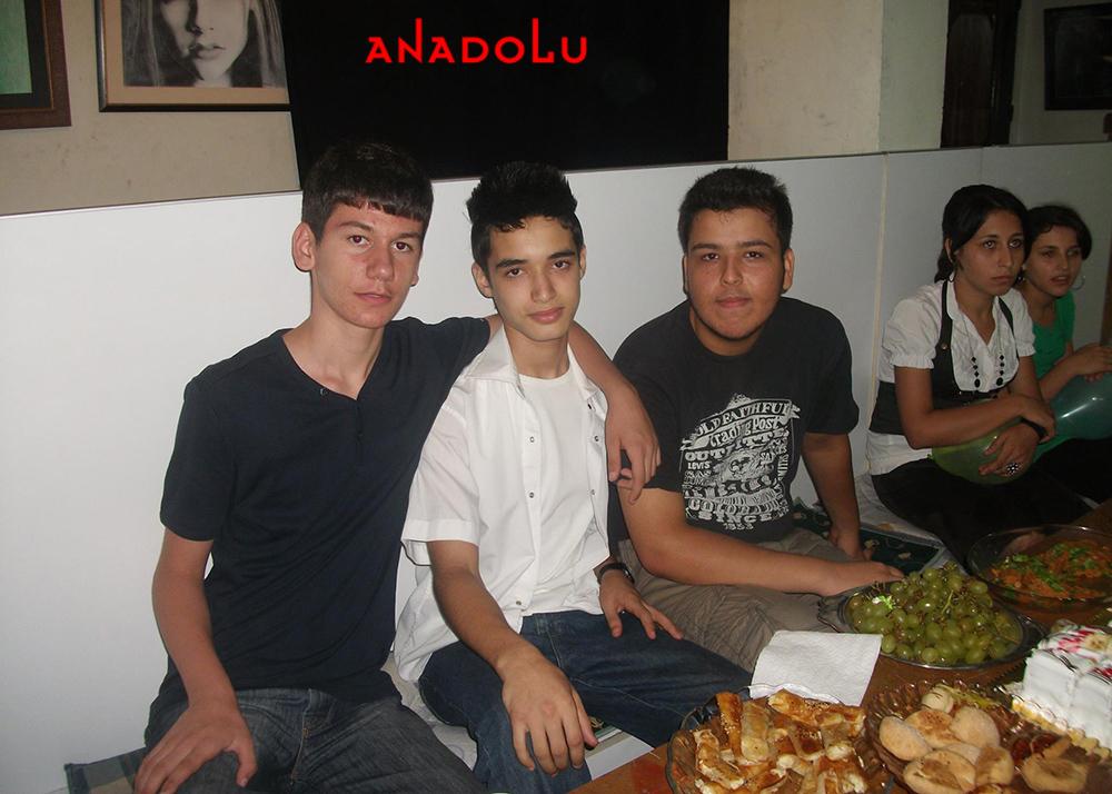 Diyarbakırda Anadolu Güzel Sanatları Lisesini Kazanan Öğrenciler